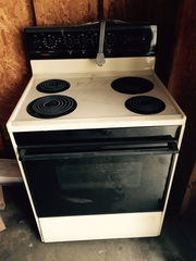 Almond electric tapped stove