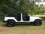 Jeep Wrangler Jeep: Wrangler Sahara